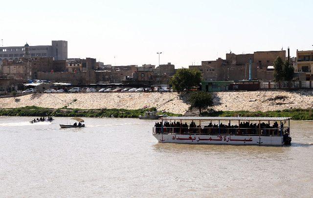 Iraq, affonda un traghetto nel fiume Tigri. 71 morti nel naufragio