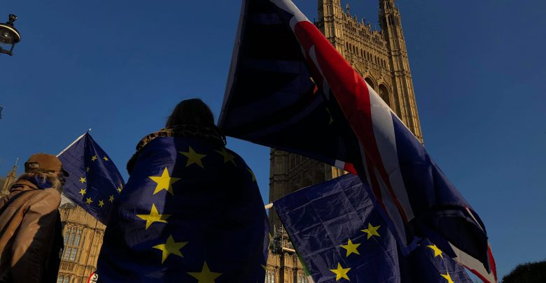 Brexit: in Gb già passaporti senza scritta 'European Union'