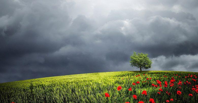 Previsioni meteo Pasqua e Pasquetta: nuvoloso domenica, incerto lunedì