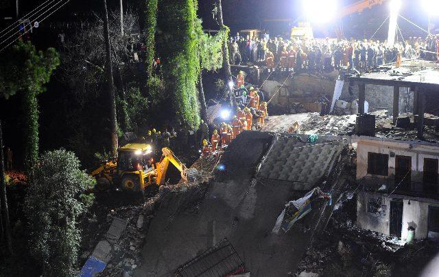 India, crolla edificio nel nord: almeno 7 morti