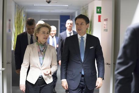 Conte e Ursula Von Der Leyen, Ue