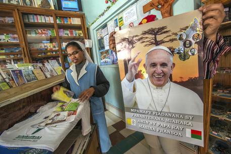 Papa Francesco in Madagascar, un milione di persone per la messa