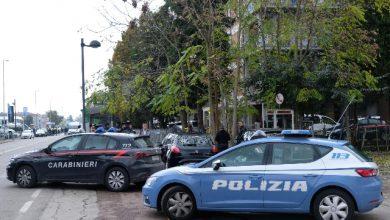 Impegnati nell'operazione oltre 200 uomini tra Polizia e Carabinieri. Foto ANSA