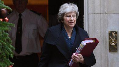 """Brexit, Theresa May: """"mi opporrò a mozione voto sfiducia"""""""