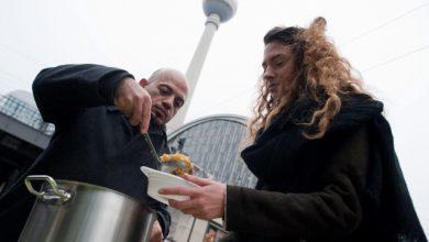 Il siriano che aiuta i senzatetto tedeschi