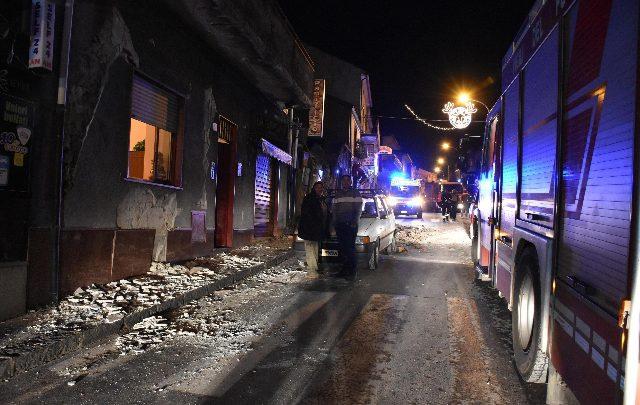"""Terremoto a Catania, protestano gli sfollati: """"perché non ci hanno avvertiti?"""""""