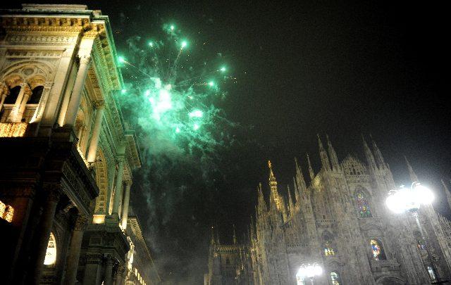 Fuochi d'artificio a Milano. Foto ANSA