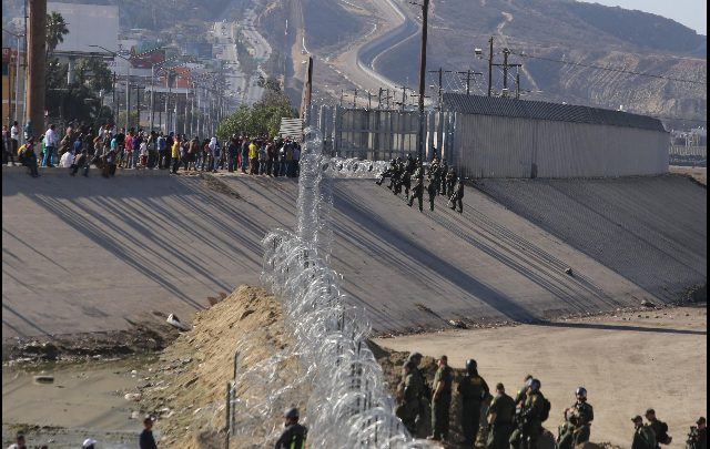Muro Messico, arrivano i primi fondi