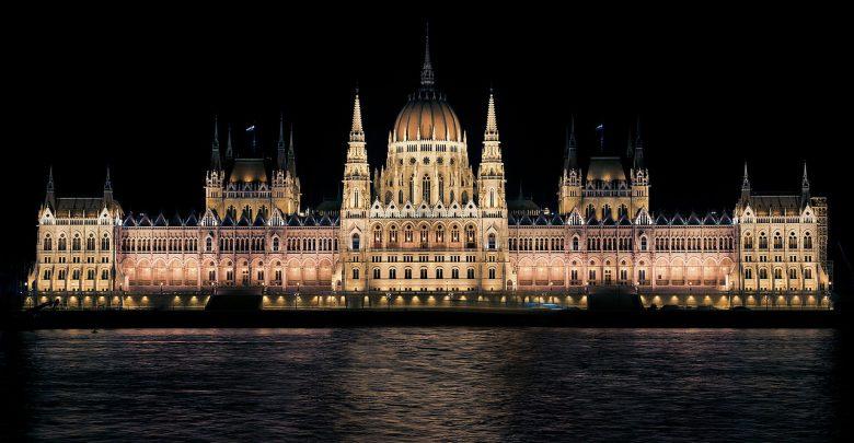 """Ungheria. Approvata la cosiddetta """"legge sulla schiavitù"""""""