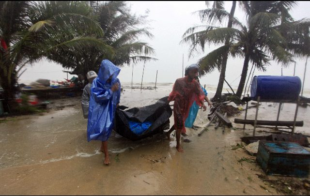 Thailandia colpita dalla tempesta Pabuk