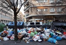 Emergenza rifiuti a Roma, i presidi: le scuole apriranno