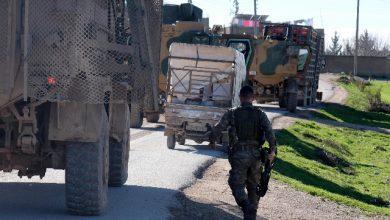 Siria, evacuazione di miliziani e civili ma ultimi combattenti Isis non si arrendono. Foto ANSA