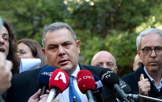 Grecia, si dimette ministro Difesa