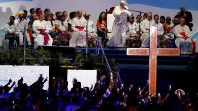 """Migranti, il Papa: non sono portatori di """"male sociale"""""""