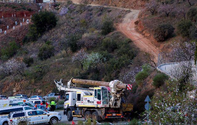 Le operazioni di salvataggio per il piccolo Julen. Foto ANSA