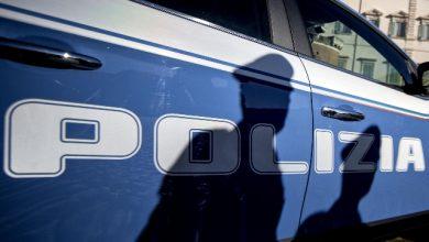 Roma, poliziotti accerchiati da residenti Tor Bella Monaca: 2 arresti. Foto ANSA