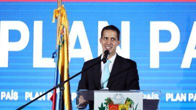 Venezuela, un generale dell'Aeronautica riconosce Guaidò come presidente