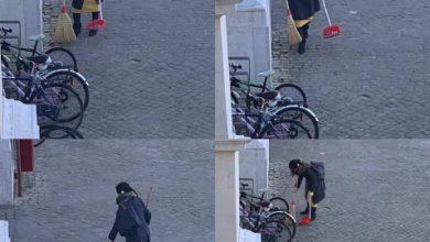 Donna pulisce le strade di Pesaro