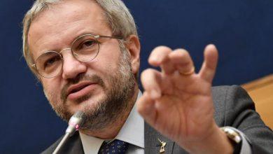 Claudio Borghi mette in guardia sull'uscita dall'Europa