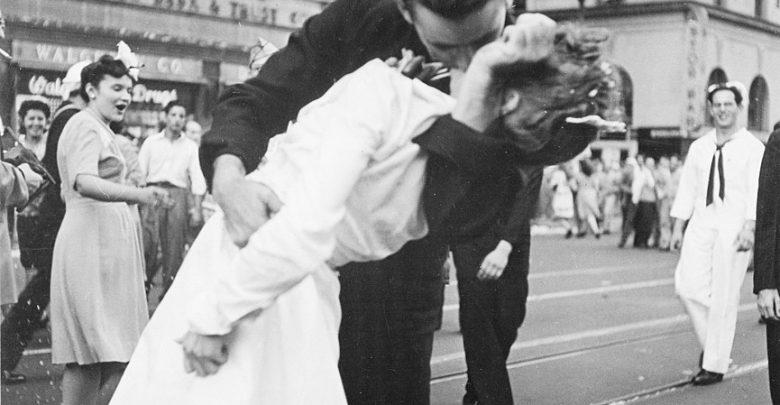 bacio marinaio infermiera times square