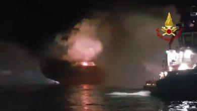 VIDEO - Chioggia, nave in fiamme: il lavoro di Vigili del Fuoco e Guardia Costiera