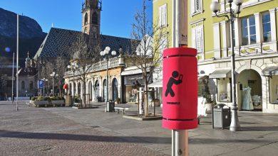 Bolzano paratesta per chi cammina con lo smartphone