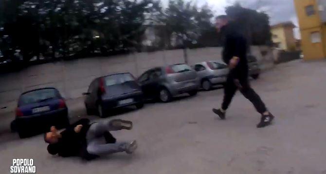 Pescara, troupe Rai aggredita