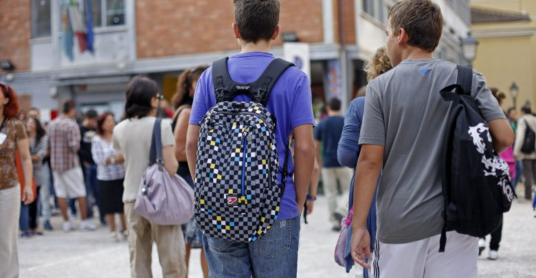Studente scatena follia omicida a scuola