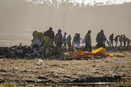 Aereo Caduto In Etiopia Il Boeing Era Troppo Veloce Il Pilota Chiese Di Poter Prendere Quota Video