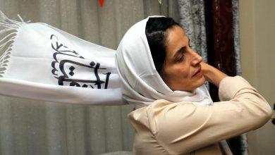 Nasrin Sotoudeh, avvocatessa iraniana e attivista per i diritti umani, è stata condannata a 38 anni di carcere e a 148 frustate