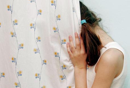 Como, ragazzina di 16 anni costretta alla fame dalla madre
