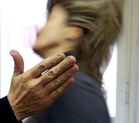 donna - violenza maltrattamenti