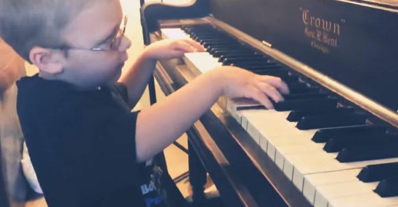 queen bimbo cieco pianoforte