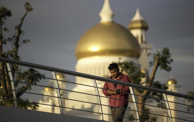 Brunei sharia lapidazione gay
