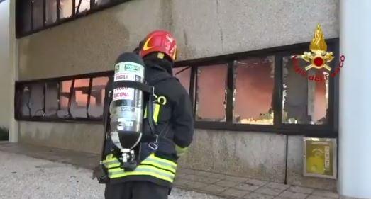 incendio Castelfidardo ancona