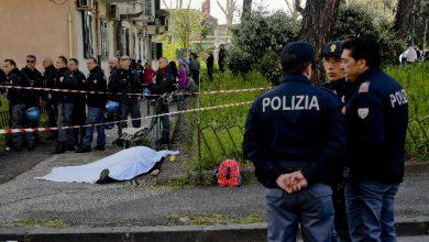 Napoli, blitz polizia e carabinieri