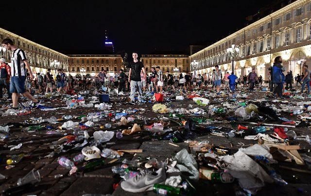 torino piazza S.Carlo condannati
