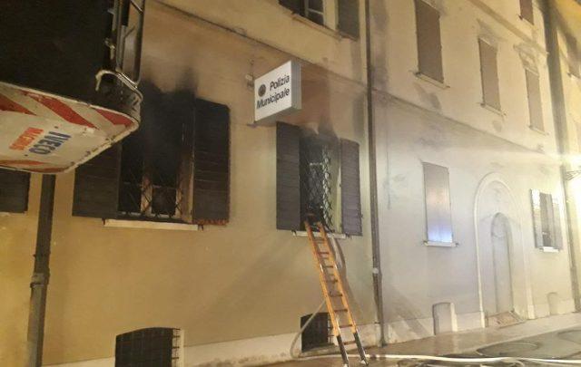 incendio mirandola polizia