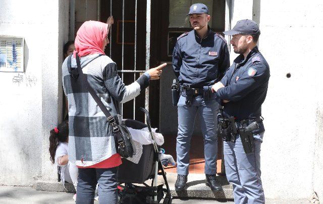 Milano, bambino di 2 anni trovato morto in casa
