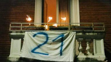 striscioni contro salvini a Milano