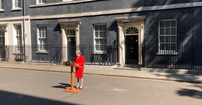 Theresa may si dimette