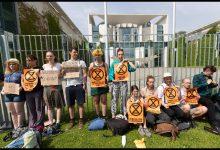 attivisti germania berlino emergenza climatica