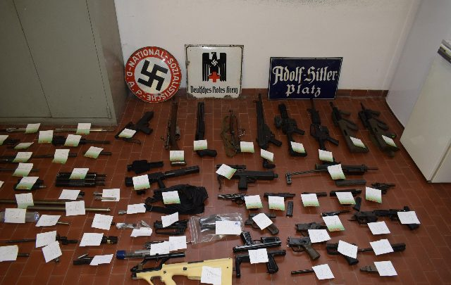 arsenale estrema destra
