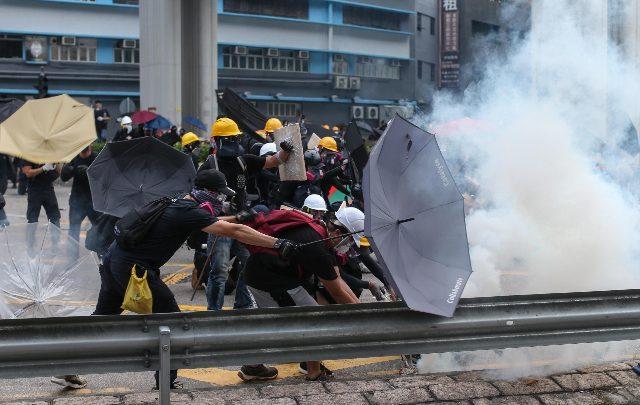 Hong Kong - manifestanti - Foto Ansa