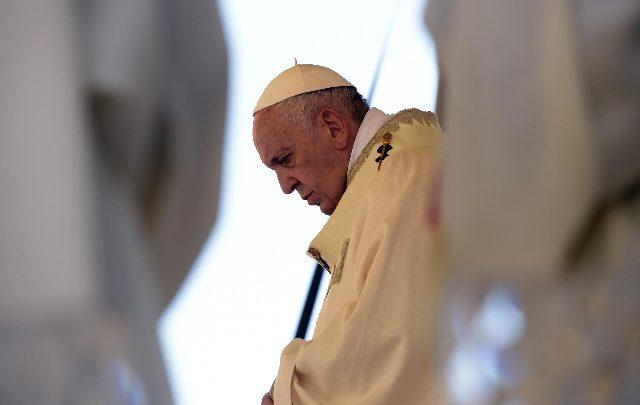 papa francesco appello migranti