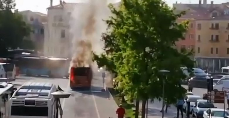 autobus fiamme venezia