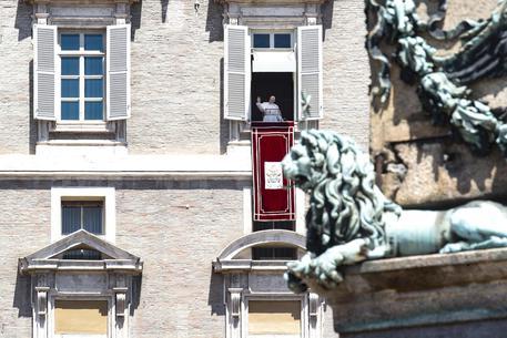 Papa Francesco migranti angelus