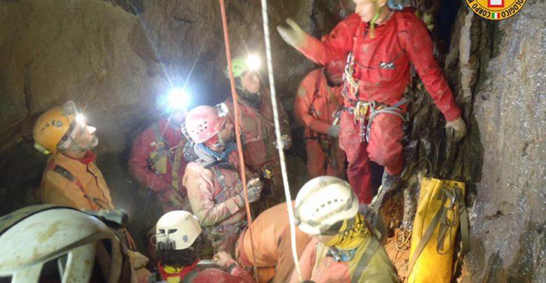 speleologo grotta fiat lux