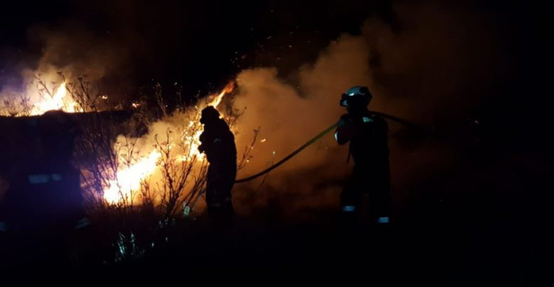 Spagna incendio alle Canarie