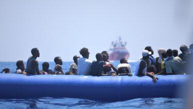 migranti ocean viking messina
